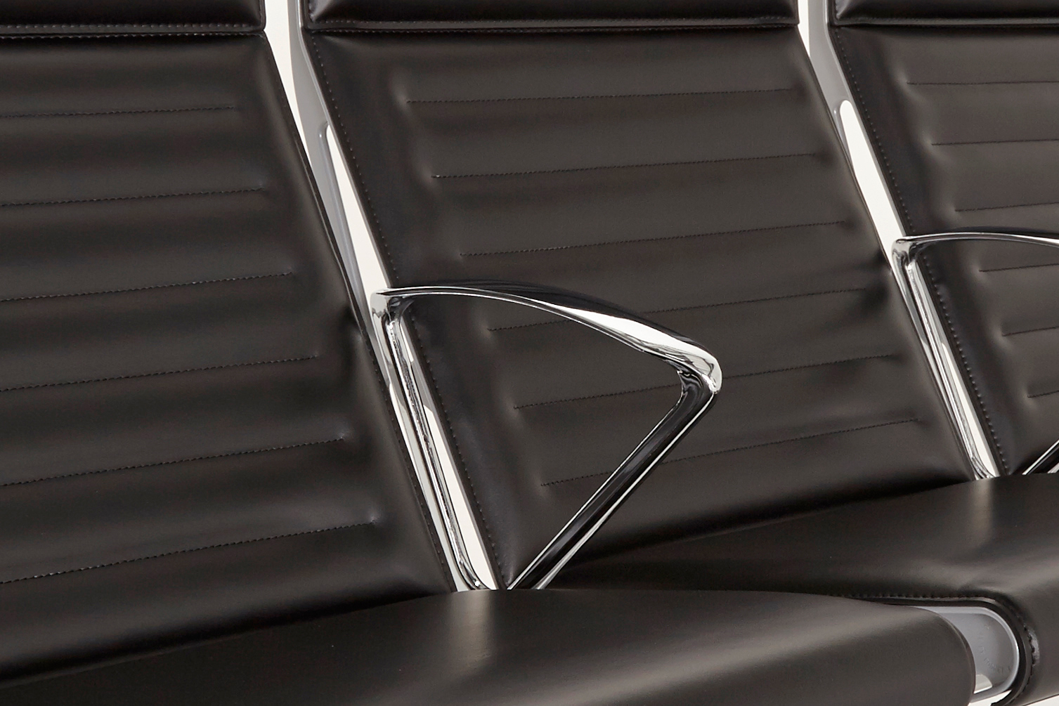 omk trax seat detail